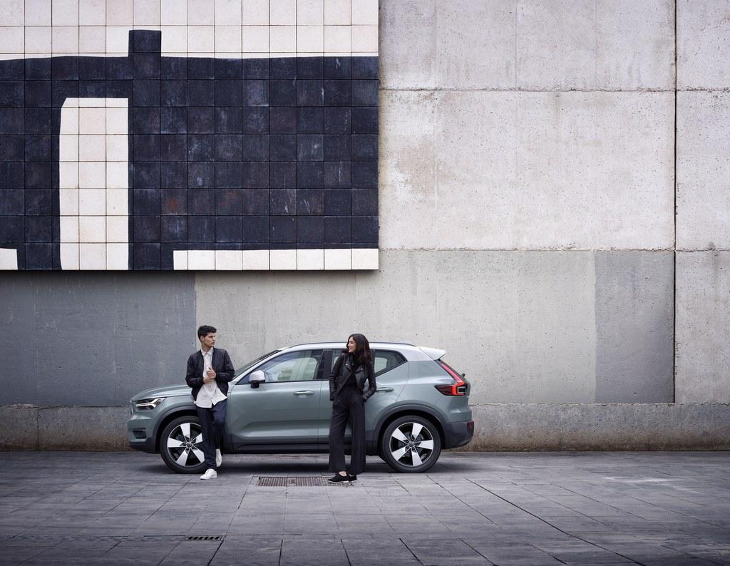 Talvirenkaat kaupan päälle Volvo XC40 -malliin